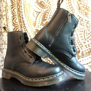 Dr. Martins 1460 Pascal Front Zip
